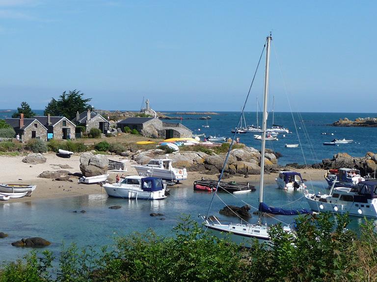 Le port de l'île de Chausey